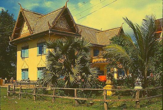 9 71 vientiane maison coloniale 2