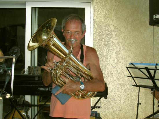 Philou et son tuba