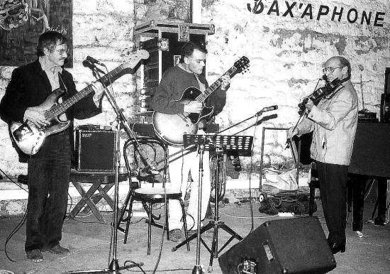 Sax aphone
